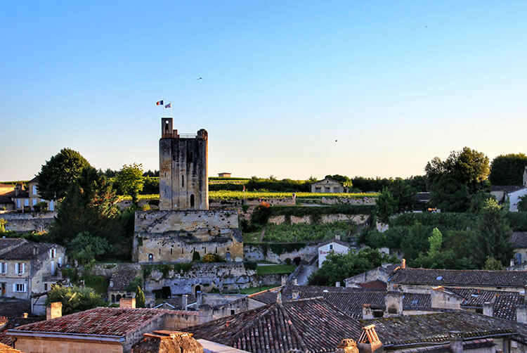 La Tour du Roy stands 32 meters high in the skyline of Saint-Émilion