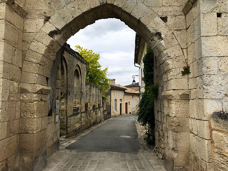 Porte Brunet gate leads to a very quiet street at the back of the village of Saint-Émilion