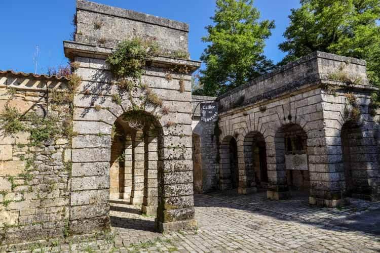 The exterior of the shop Cellier des Vignerons inside the Citadelle de Blaye