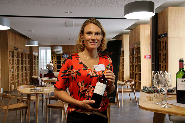 Marine Dubard presents the wines of Château Laulerie at Bergerac's Quai Cyrano